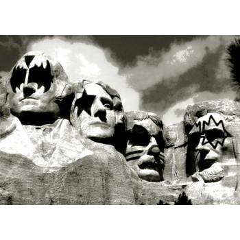 Monte Rushmore Kiss